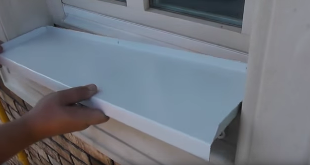 Как установить отливы на пластиковые окна