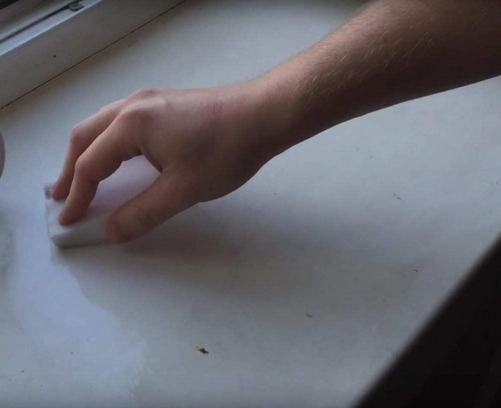 Как отмыть пластиковый подоконник от пятен